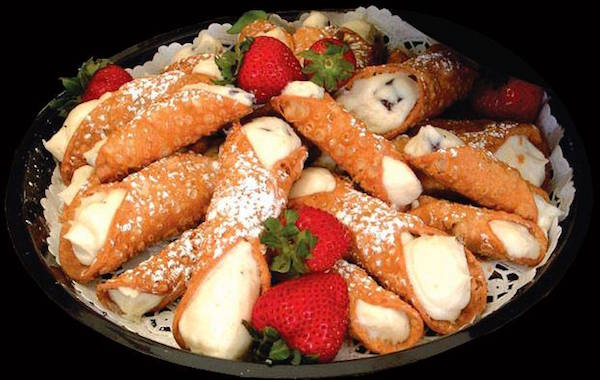 Cannolis at Caffe Palermo