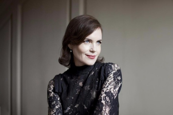 elizabeth mcgovern time and the conways