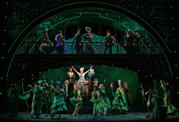 cast of wicked emerald city