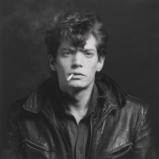 mapplethorpe 1980 self portrait cigarette