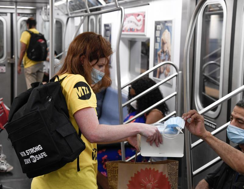 mask distribution subway