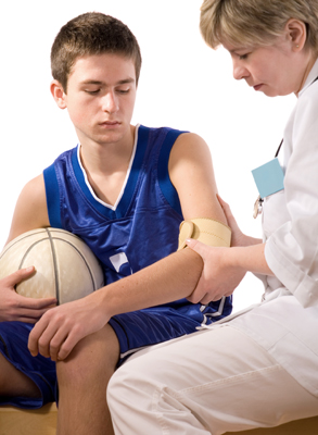sports injury; injured teen athlete