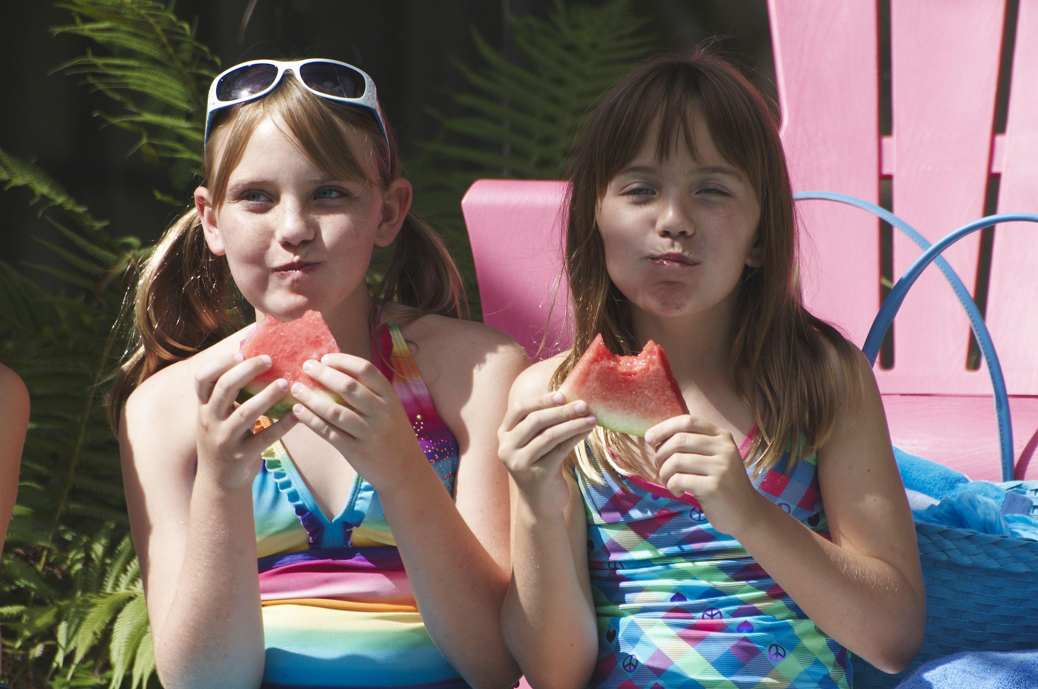 girls-eating-watermelon