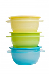tupperware to store baked goods