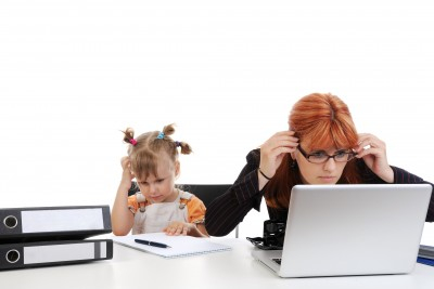 mom-and-daughter-at-the-office
