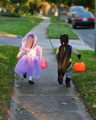 young trick or treaters on halloween
