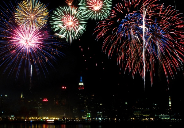 fireworks hudson skyline