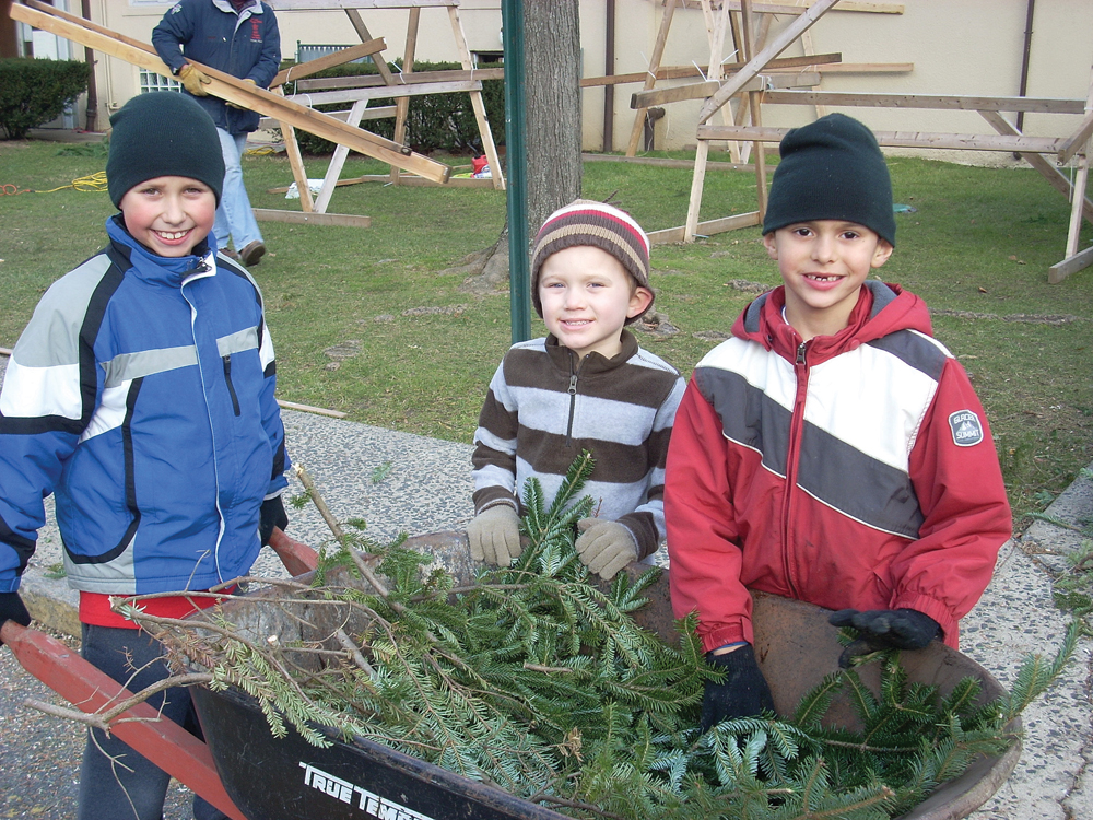 Huguenot Memorial Church Christmas tree sale