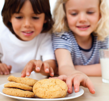how much should kids snack