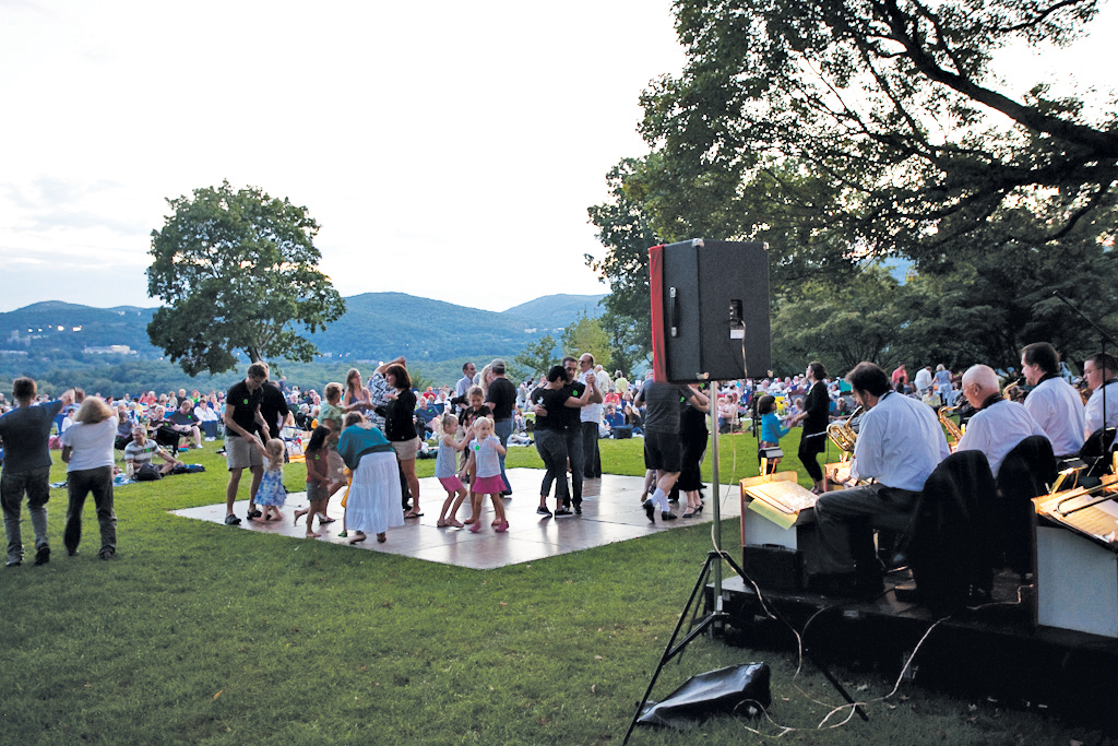 outdoor concert at boscobel