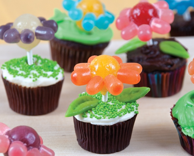 Almost Too Cute to Eat Cupcake Craft