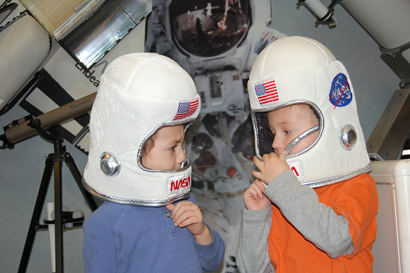 kids astronauts at challenger center