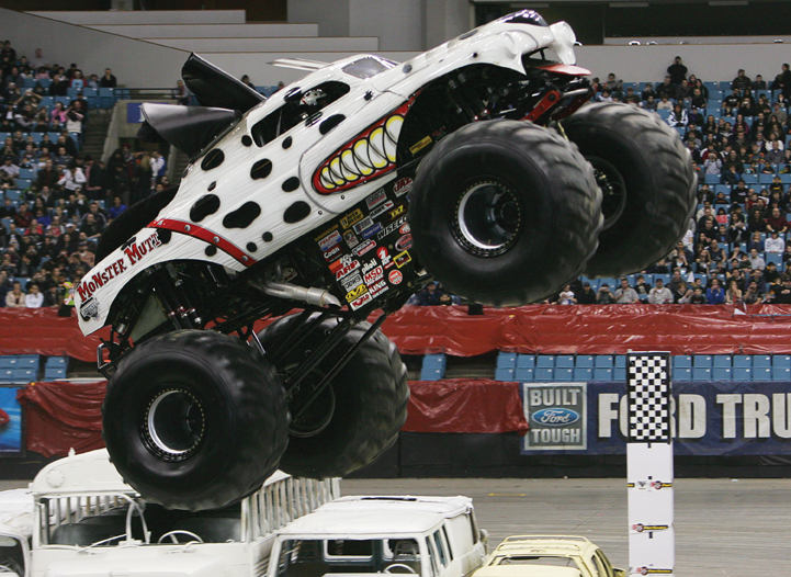 monster mutt truck in monster jam