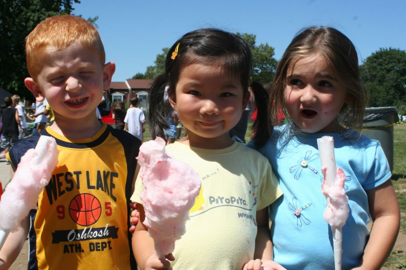 campers eating cotton candy