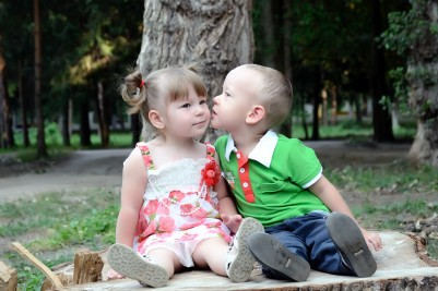 toddlers kiss