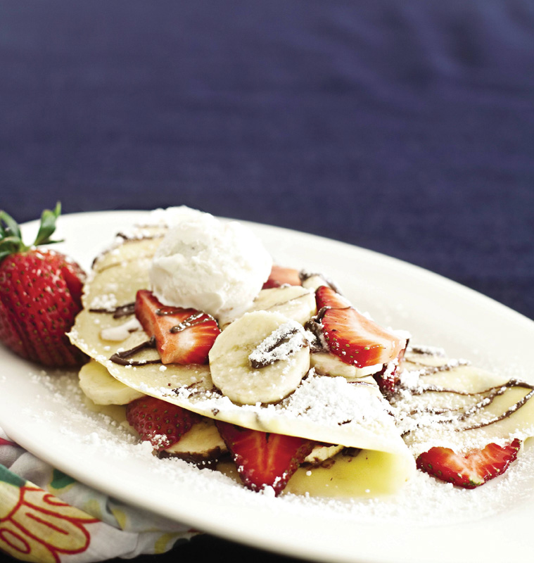 nutella crepes with strawberry and banana