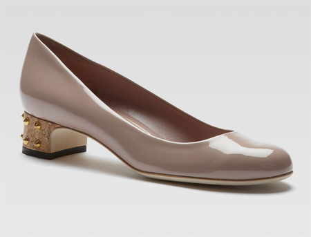 Gucci nude patent leather pumps