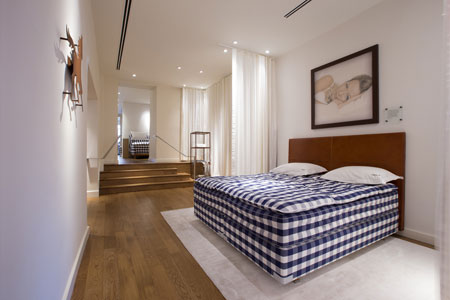 Hastens NYC