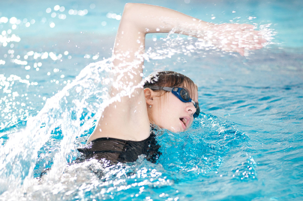 girl swimming laps