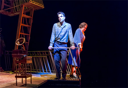 Zachary Quinto and Cherry Jones in The Glass Menagerie