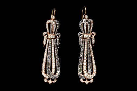 Earrings, gold with natural seed pearls and diamonds Artist: Date: France, 1795-1810