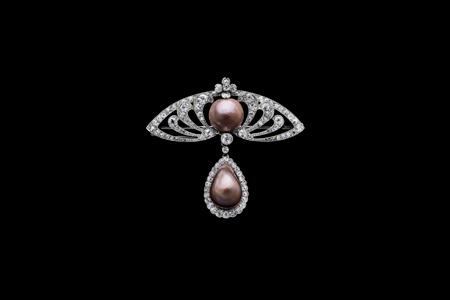 Brooch, natural brown pearls set in platinum and diamonds Artist: Date: France, 1900