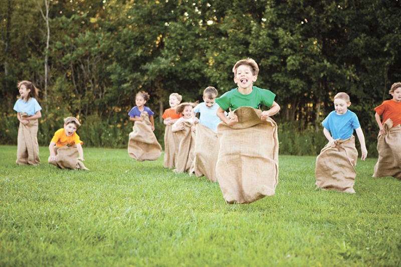 kids in a potato sack race