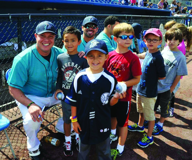 bridgeport bluefish players with kids