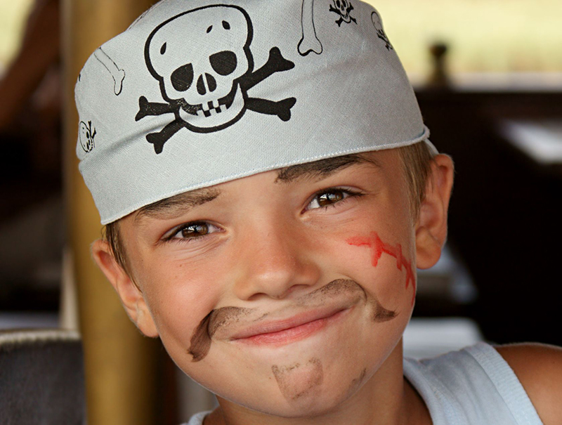 kid dressed as pirate