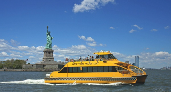 statue of liberty new york water taxi
