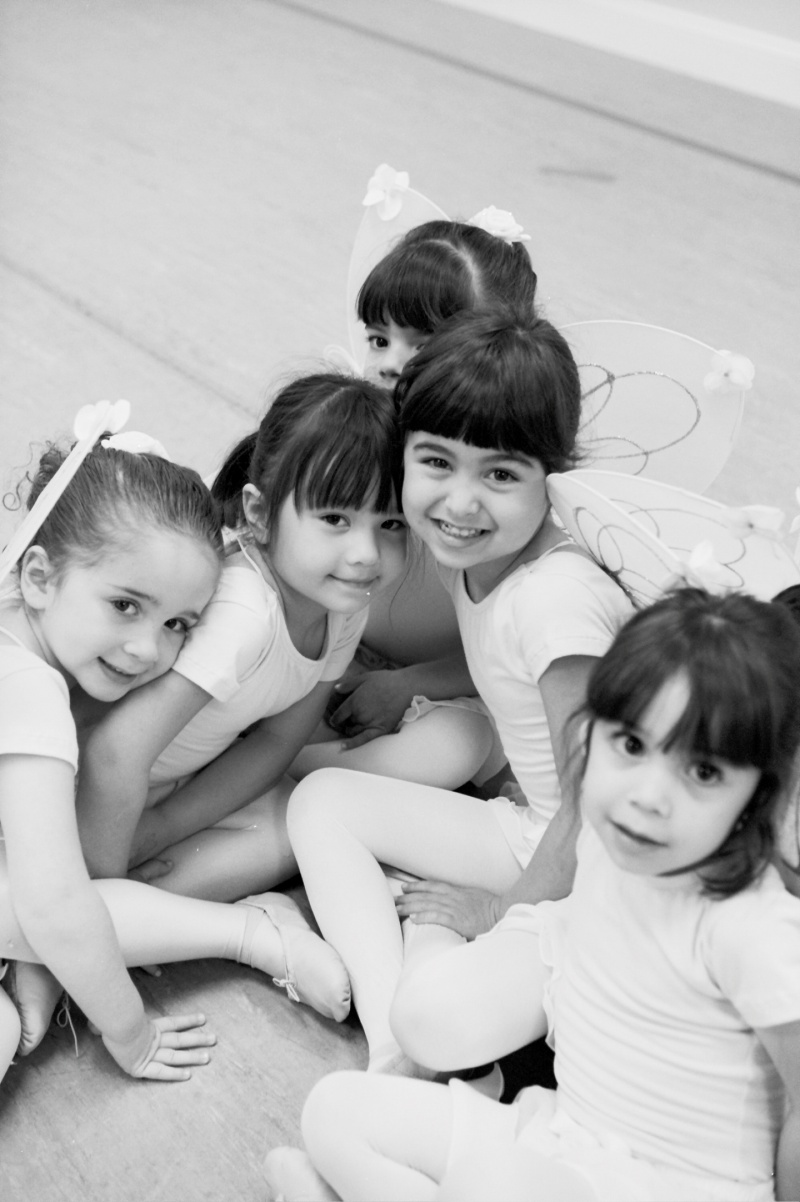 ballerinas at ballet des enfants